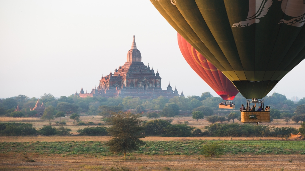 bagan-hot-air-balloon